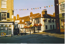 Lymington, The King's Head Inn, Hampshire © Colin Smith